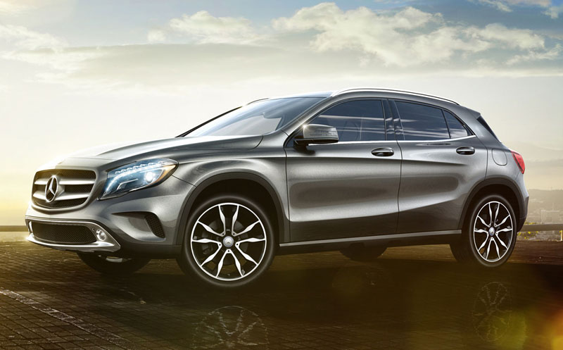 Mercedes-Benz-GLA-2016-1