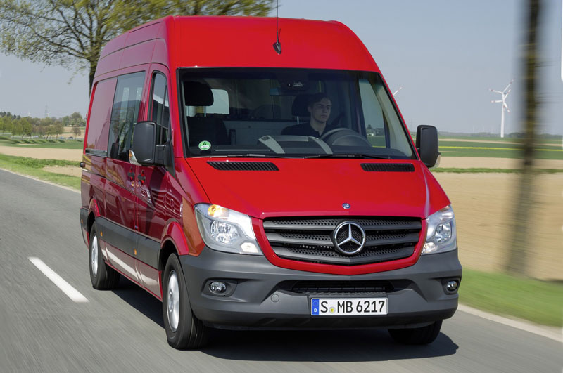 Mercedes-Benz-Sprinter-Fourgon-2016-1